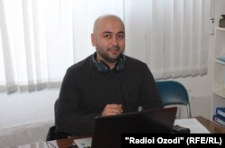 Tajik journalist Orzu Karim (file photo)