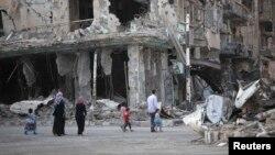 Siriýada howa hüjümlerinde ýumrulan bina, Deir al-Zor