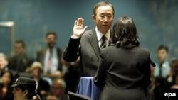 В своем первом заявлении в новом качестве Пан Ги Мун обещал назначить своим первым заместителем женщину. Она займется подбором и расстановкой кадров