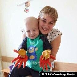Алена Семіліт з сынам