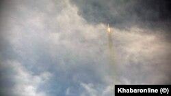 تصویری که رسانهها در ایران با عنوان لحظات اولیه پرتاب موشک «قاصد» منتشر کردند