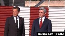Президент Франции Николя Саркози (слева) и президент Армении Серж Саргсян, 6 октября 2011 г.