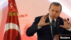 Реджеп Тайїп Ердоган виступає на прес-конференції в Тунісі, 6 червня 2013 року