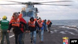 Операція з порятунку пасажирів порому триває, 29 грудня 2014 року