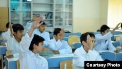 Ученики казахско-турецкого лицея в Шымкенте. Фото с сайта фонда KATEV.