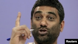 The executive director of Greenpeace, Kumi Naidoo (file photo)
