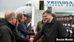 Порошенко прилетів до Німеччини, 15 березня 2015 року