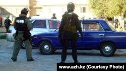 Полицейские на месте перестрелки. Кульсары, 12 сентября 2012 года.