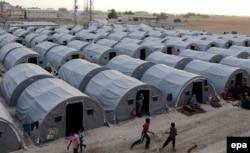 Лагерь сирийских беженцев в Турции. 13 октября 2014 года.