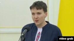 Ukrain parlamentiniň deputaty Nadia Sawçenko.