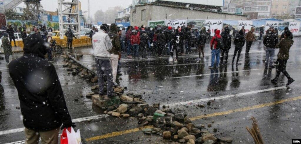 صحنهای از اعتراضات در تهران