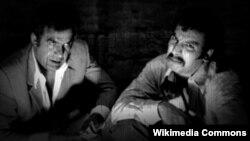 ناصر ملکمطیعی (چپ) و بهمن مفید در فیلم