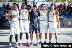 Чоловіча збірна України U23 з баскетболу 3х3 та головний тренер Тимур Арабаджі