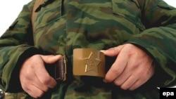 Сарытаудагы хәрбиләр Татарстан бүләк иткән телефоннан бәйрәм һәм ял көннәрендә генә шалтыратырга рөхсәт итә