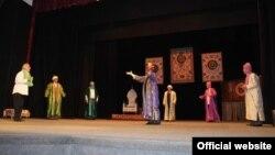 Театри ба номи Лоҳутии шаҳри Душанбе