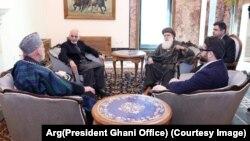 تلاشها برای حل تنشهای بهمیان آمده از نتایج نهایی انتخابات ریاست جمهوری افغانستان ادامه دارد.