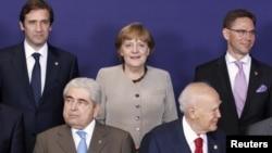 برخی سران اتحادیه اروپا؛ آنگلا مرکل صدراعظم آلمان (وسط).
