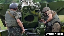 Учения артиллерийского полка одного из подразделений ВС Украины. Июль 2015 года