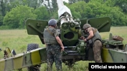 Учения артиллерийского полка одного из подразделений ВС Украины. Июль 2015 года.