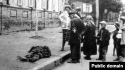 Померлий від голоду на вулиці Харкова, 1933 рік