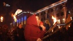 У Запоріжжі день пам'яті Героїв Крут відзначили смолоскиповою ходою