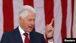 Поранешниот претседател на САД, Бил Клинтон
