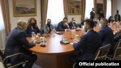 Софија- Бугарскиот претседател Румен Радев на средба со претсавниците на македонските Бугари, 27.10.2021