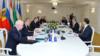 Minskdə üçtərəfli görüş