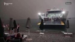 Mijëra të evakuuar nga zjarret në Greqi