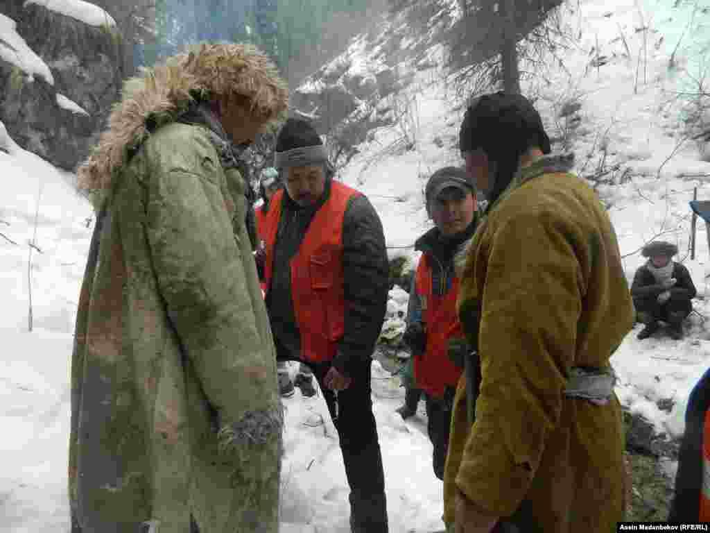 Останки жертв трагедии 1916 года всё еще остаются не захороненными в труднодоступной горной местности Кыргызстана.