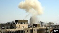 Сирия -- Дамасктын Маржех районундагы жардыруудан чыккан түтүн. 30-апрель, 2013.