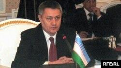 رستم عظیماف، وزیر اقتصاد