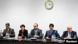 Сирия оппозициясының делегация мүшелері. Женева, 27 ақпан 2017 жыл.