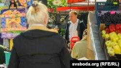 Андрэй Дзьмітрыеў нанаваградзкім рынку