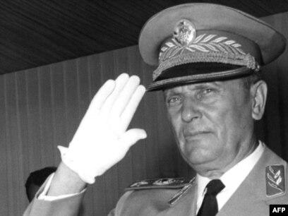 'Tito je na Šestom kongresu dao najjasniju - i to Rusi nikada nisu preboljeli - ocjenu šta se dogodilo u Sovjetskom savezu pa je postao hegemon.'