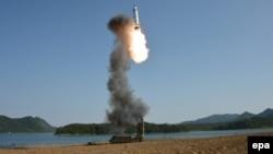 Запуск ракеты в Северной Корее, архивное фото