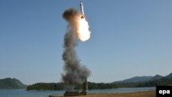 Солтүстік Корея ұшырған баллистикалық Pukguksong-2 зымыраны. 22 мамыр 2017 жыл.