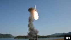 Илустрација-тест на балистички ракети во Северна Кореја