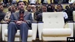 اسفندیار رحیممشایی در زمان ریاست جمهوری محمود احمدی نژاد، رییس دفتر و نزدیکترین فرد به وی بود.