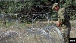 نيروهای روسيه سه پست نظامی در نزديکی شهر سيناکی گرجستان را نیز تخليه کرده اند.(عکس: epa)