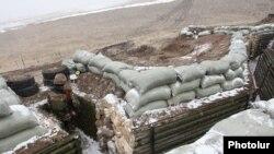 Әзербайжанмен шекарадағы Армения әскерилерінің шептері (Көрнекі сурет).