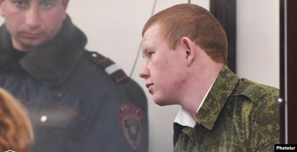 Российский военнослужащий Валерий Пермяков в зале суда