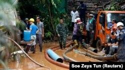 Во спасувачката мисија се вклучени војници, нуркачи, градежници...