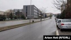 Prazne ulice Prištine