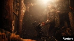 PHOTO GALLERY: Bosnia's Illegal Coal Miners