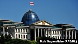 Накануне администрация президента переслала Венецианской комиссии общее видение главы государства и оппозиционных партий по конституционной реформе