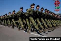 Минск орталығындағы әскери парад. 9 мамыр 2020 жыл.
