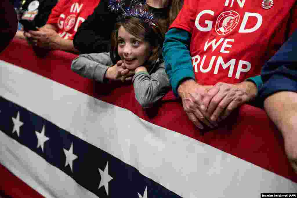 A young girl at a rally for U.S. President Donald Trump in Charlotte, North Carolina. (AFP/Brendan Smialowski)