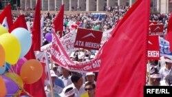 Митинг в Бишкеке был красочным и мирным