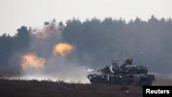 Американский танк «Абрамс» на учениях в Польше